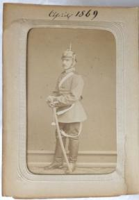 Atelierporträt Georg Burchardt in Uniform