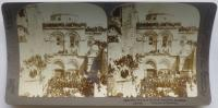 """Jerusalem through the Stereoscope"": Die Grabeskirche während der Fußwaschungszeremonie, Jerusalem"